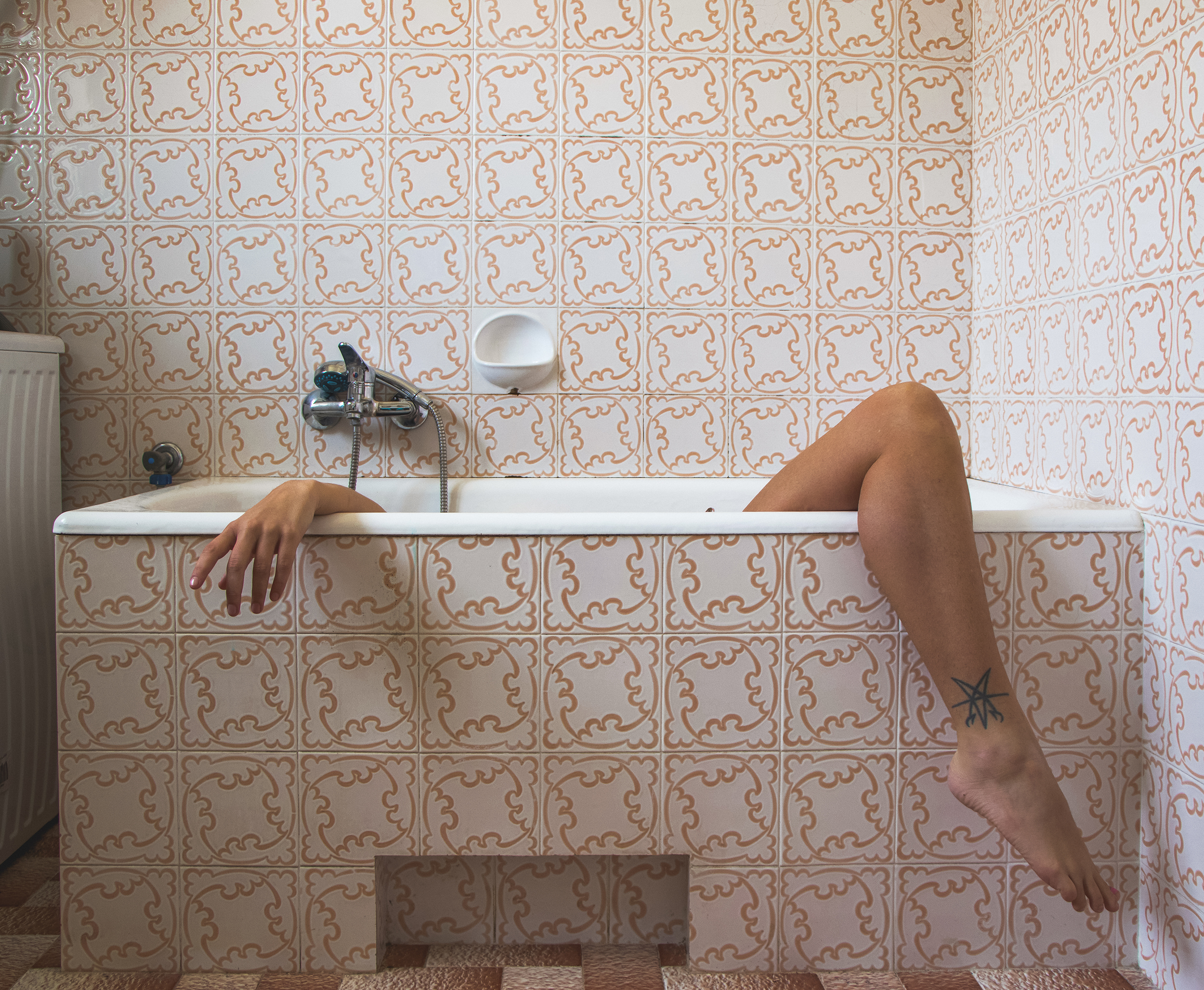 contemporary photography bathroom pattern body